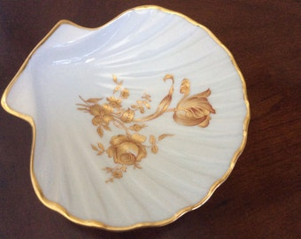 A Limoges Shell Shaped and Gold Foral Design Small Dish, Exclusivite Chamart.