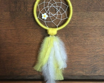 Daisy Dreams Yellow and White Dreamcatcher
