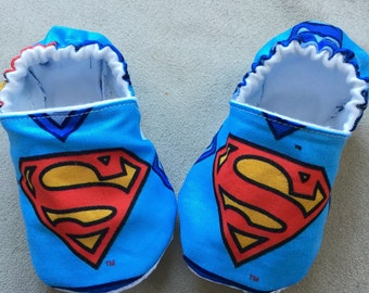 Superman baby booties, shoes, crib shoes, superhero, blue and red, DC, slippers, fabric