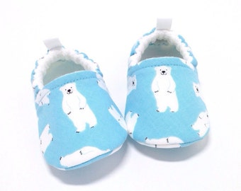 Polar Bear Baby Shoes, Soft Sole Baby Shoes, Baby Booties, Baby shower gift, Toddler Slippers, polar bear, blue baby shoes