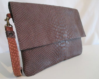 Pouch, leather pouch