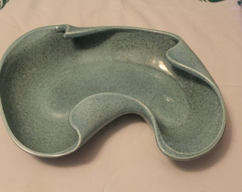 Vintage Red Wing Pottery, 1950s Large Kidney Shaped Dish, Design #1304, Turquoise, mid century Modern, REDWING, Art Pottery (H001)