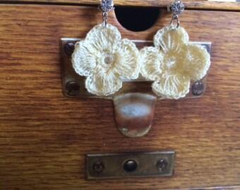 Vintage Inspired Romantic Crochet Flower Earrings