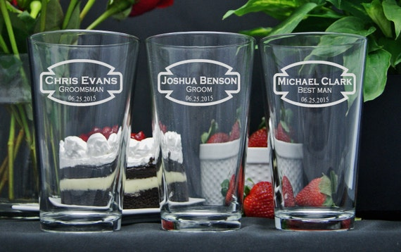 Etched Beer Glasses / Personalized Groomsmen Gifts / Etched / Custom Engraved Wedding Party Glasses / Groomsman / Set of 4 / 16 Designs!
