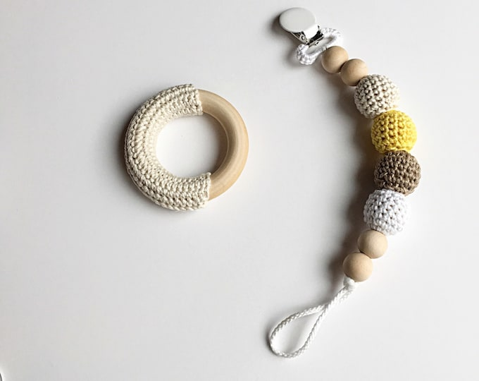 NomiLu Butterscotch Paci Clip -- Crocheted Beads Pacifier Clip -- Eco-friendly pacifier clip -- crocheted wooden beads -- Baby Teether
