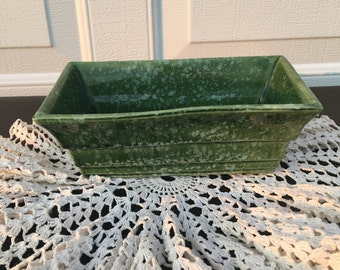 Imperial F9 USA ~ Low Planter~ Hull Pottery Imperial Line ~ Curved Sides ~ Green and White Spongeware Design~ Speckled Design ~ Vintage