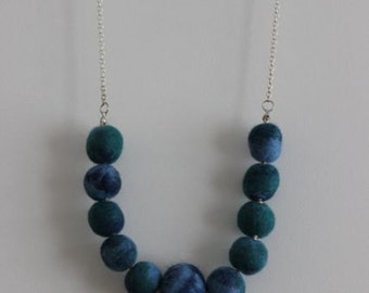 Necklace with felt balls (no shipping charge)