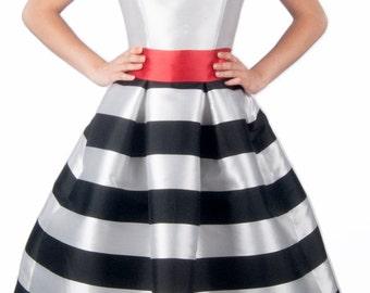 Romantic dress in white-red-black