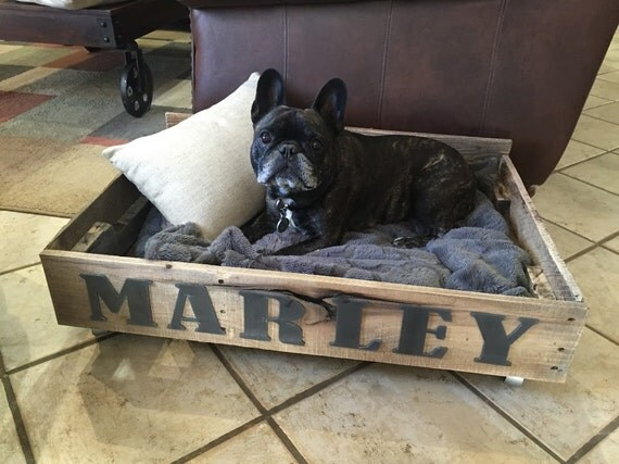 Personalized rustic pallet dog bed for Wood pallet dog bed