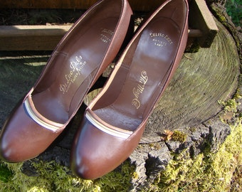 1940s Brown Leather Pumps