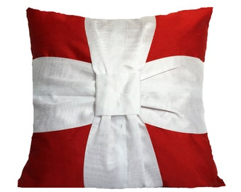 White Bow Christmas Pillow Red White Bow Pillow Bow Pillows Christmas Pillows Red Cushion Christmas Décor Holiday Pillow Christmas Gift
