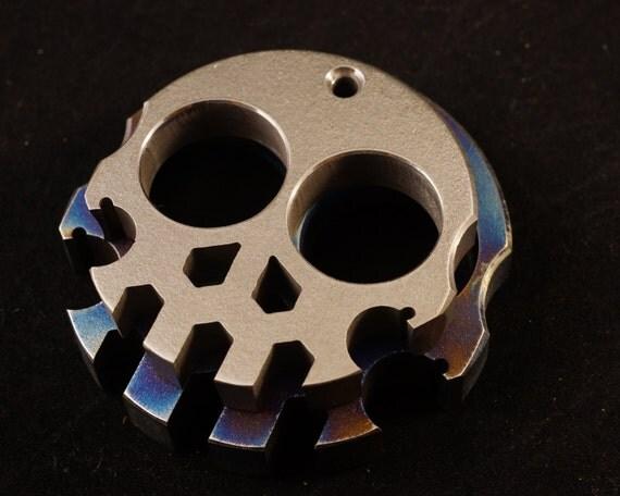 Titanium Compact Skully Multi-Tool