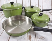 NEW IN BOX! Vintage 7 Piece Avocado Green Stainless Steel Colorful Cookware Set ~ Retro Pots & Pans
