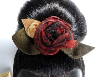 Comb with a red and black fabric flower – silk and organza