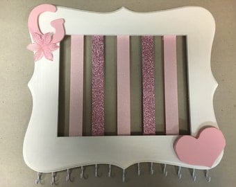 Personalized hanging bow and headband organizer
