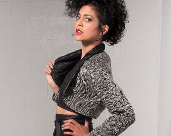 Sz. Small Textured Rose High Fashion Waist Jacket Coat 90s Inspired Silver and Black