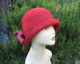 Cloche hat Red cloche hat Felted hat Hat cloche Felt cloche hat Felt hat with bow Women's hat with bow Women's red hat Red hat Hat with bow