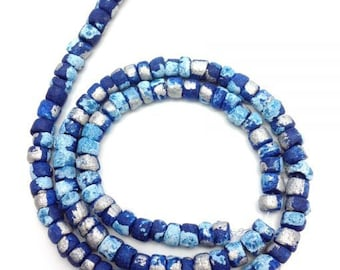 Coconut beads, navyblue with stains, 5 mm, Pukalite,