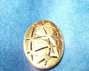 Solid 18K yellow gold Art Deco inspired Tulip engraved pendant