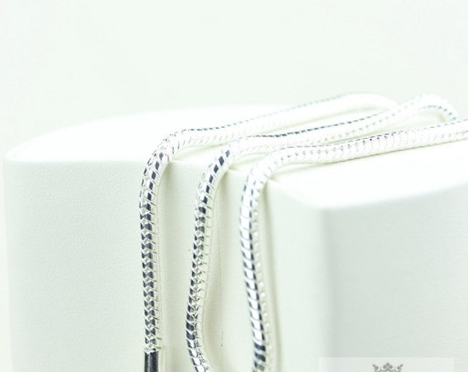 In Stock Now! 2MM/3MM/4MM SNAKE CHAIN: Available -16/18/20/22/24/26/28/30 Inches USPS First-Class Mail® Delivery 4 days Tracking # Included!