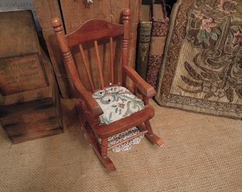 Vintage Pin Cushion / Rocking Chair Pin Cushion / Sewing Notions