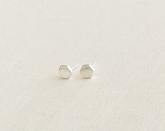 Hexagon Stud Earrings - Hexagon Earrings - Tiny Silver Stud Earrings - Minimalist Stud Earrings - Dainty Earrings - Geometric Earrings