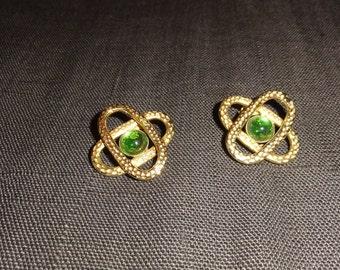 Golden green cabochon earrings
