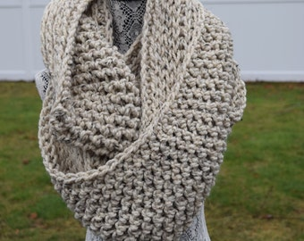 The Paige | Chunky Double-sided Crochet Infinity Scarf | Oatmeal