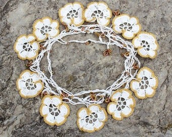 Bridal necklace, Crochet flower necklace, crochet jewelry, boho beaded necklace, white and gold necklace