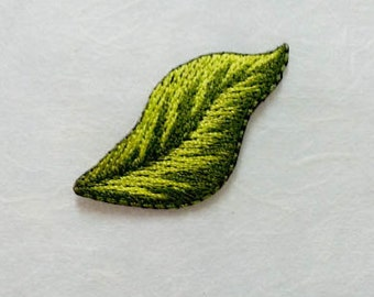 Green Leaf Iron On Patch\ Green Leaf Embroidery Applique (2.5x5.5cm)