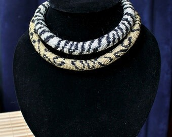 Gold choker  -  Bead Crochet Necklace Beadwork Jewelry.  Made to order
