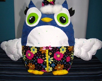Owl Cushion with hat