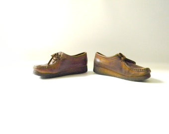 Women's Brown Leather Clark Wallabee Shoe / Size 7
