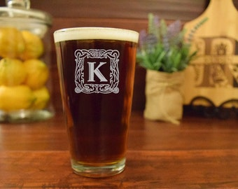 Personalized Pint Glass, Engraved Beer Mug Initials, Custom Initial, Engraved Pint Glass, Custom Pint Glass, Personalized Pint Glass