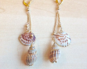 Golden shells and chains earrings