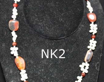 agate necklace; agate nugget necklace; freshwater pearl necklace; agate and pearl necklace; pearl necklace; pearl and agate necklace