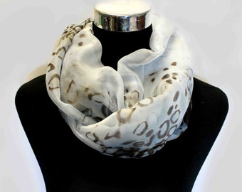 Loop scarf leopard - white scarf - leopard scarf - silk scarf - animal scarf - infinity scarf - soft scarf - silky scarf