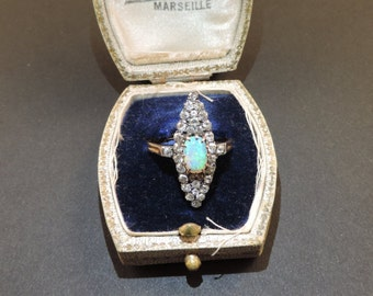 18 ct gold ring Belle Epoque. with noble Opal Harlequin and 1 ct. of diamonds