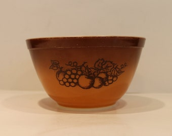 Old Orchard Pyrex Bowl #401 Brown Fruit Pattern