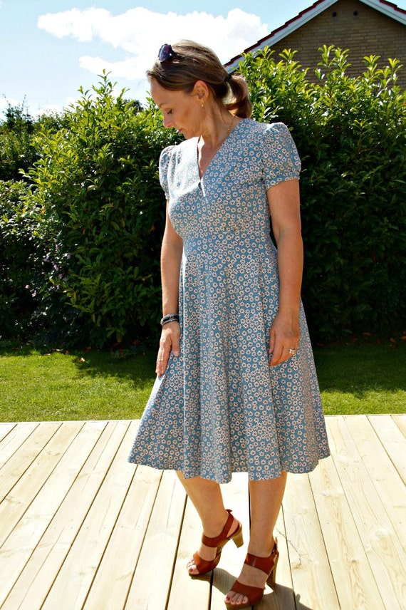 Dress PDF sewing pattern/ladies fitted jersey knit digital PDF