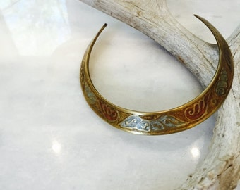 vintage brass crescent statement necklace - indian etched collar - crescent inlay brass choker