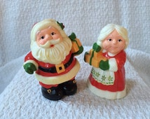 Vintage Hallmark Santa and Mrs. Clause Salt and Pepper Shakers, Christmas Salt & Pepper Shakers