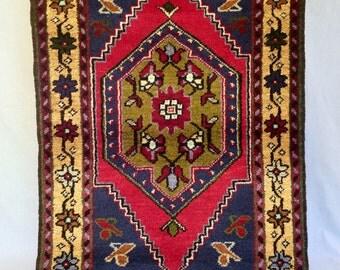SALE- vintage wool rug from Turkey 3x5ft