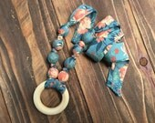 Teething necklace - Teething jewelry - Organic teething necklace - Wooden teething necklace - Floral teething necklace - Baby shower gift
