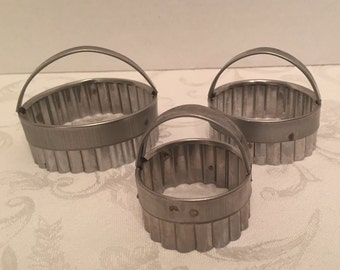 Three Vintage Scalloped Biscuit Cookie Cutters Set
