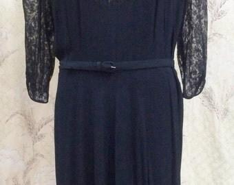 BEAUTIFUL Vintage 1940s Black Lace Dress
