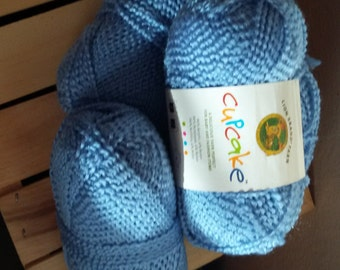 Lion Brand Cupcake yarn *DISCONTINUED* 4 skeins of Blueberry