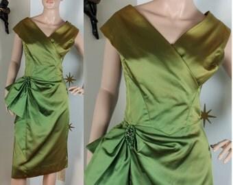 Vintage 1950s green satin hip ruffle wiggle dress medium 244
