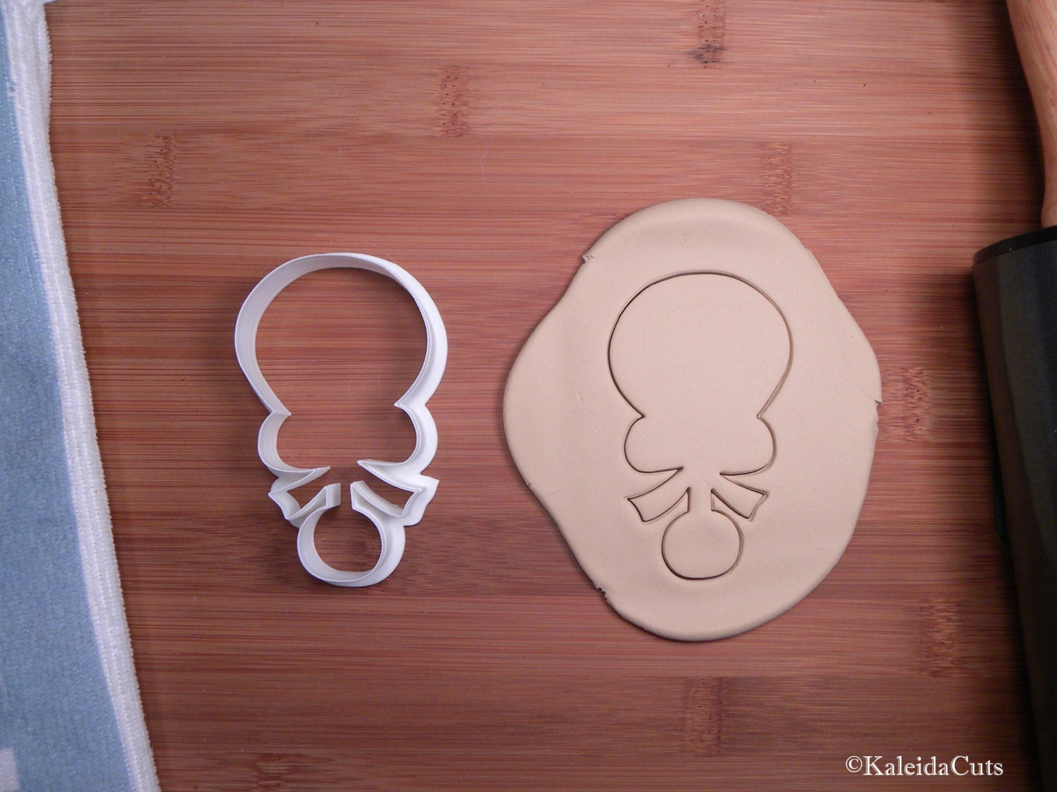 baby rattle with bow cookie cutter baby shower cookie cutter