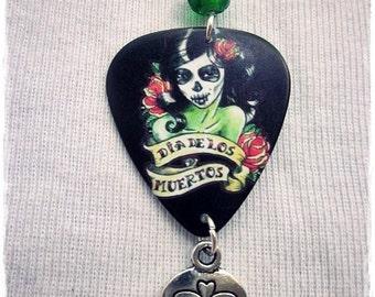 Gitarren-Plektrum / Día de los Muertos Halskette